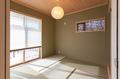 岡崎市注文住宅 A様邸 独立した和室。掃き出し窓から玄関テラスに気軽に出られます。
