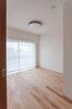 名古屋市リノベーション 実例A リビングからつながる洋室。バルコニーに面した明るい部屋です。