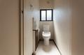 2階のトイレには手洗い器をつけています。