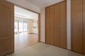 和室はリビングと続き間としても使える4.5帖の広さ。扉を閉めて独立した和室としても活用できます。
