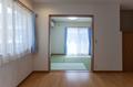 リビングと隣接した和室は南に面しており、リビングまで明かりを取り入れられます。