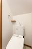 トイレの手洗い近くにちょっとしたカウンターを設け、ハンドソープ等置いていただけます。