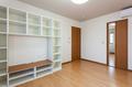 備え付けの壁面収納は、壁にぴったりくっついているので地震対策にもなります。