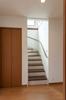 階段の色味を変えることでお住まいの印象が変化します。